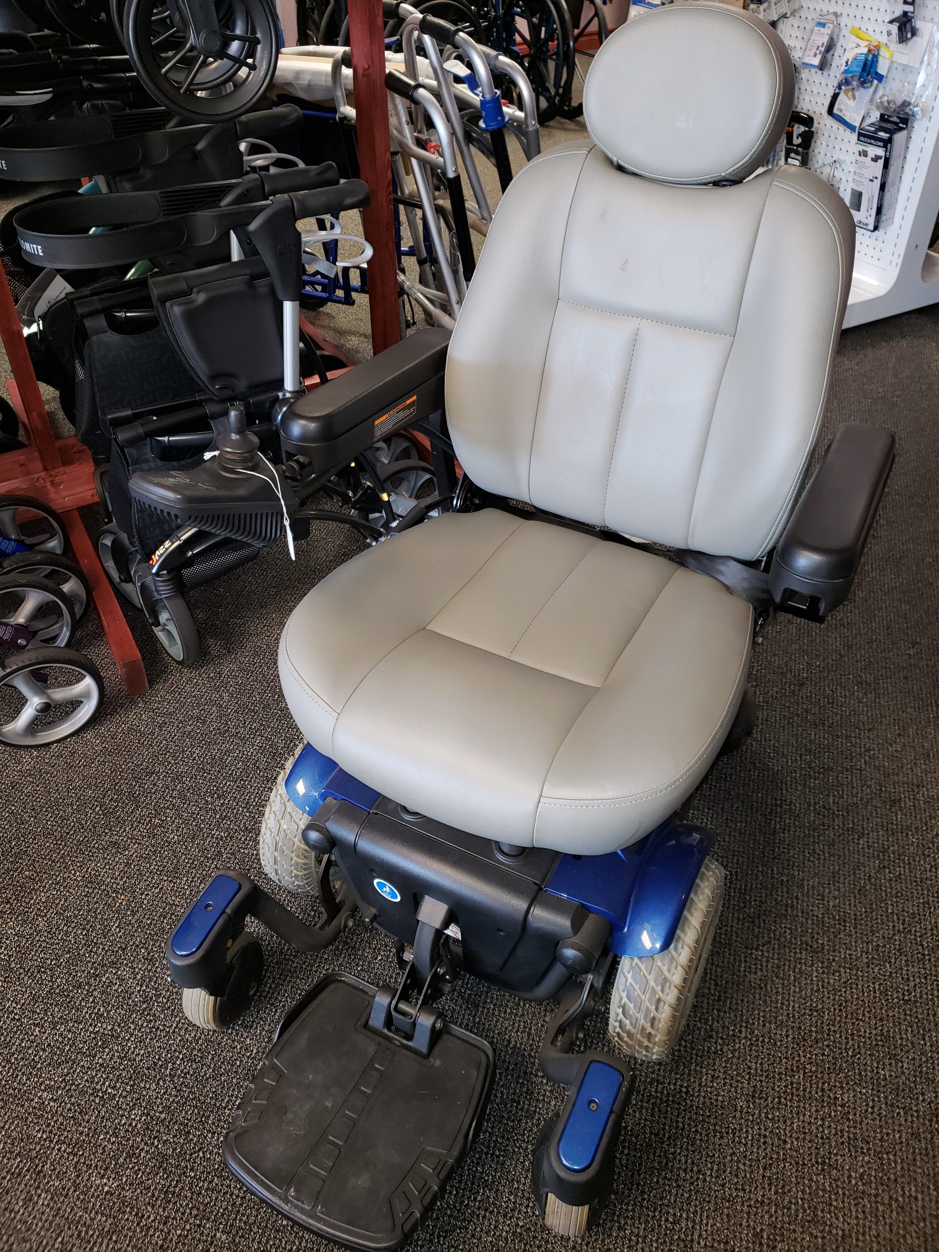 Pride Quantum Power Chair 610
