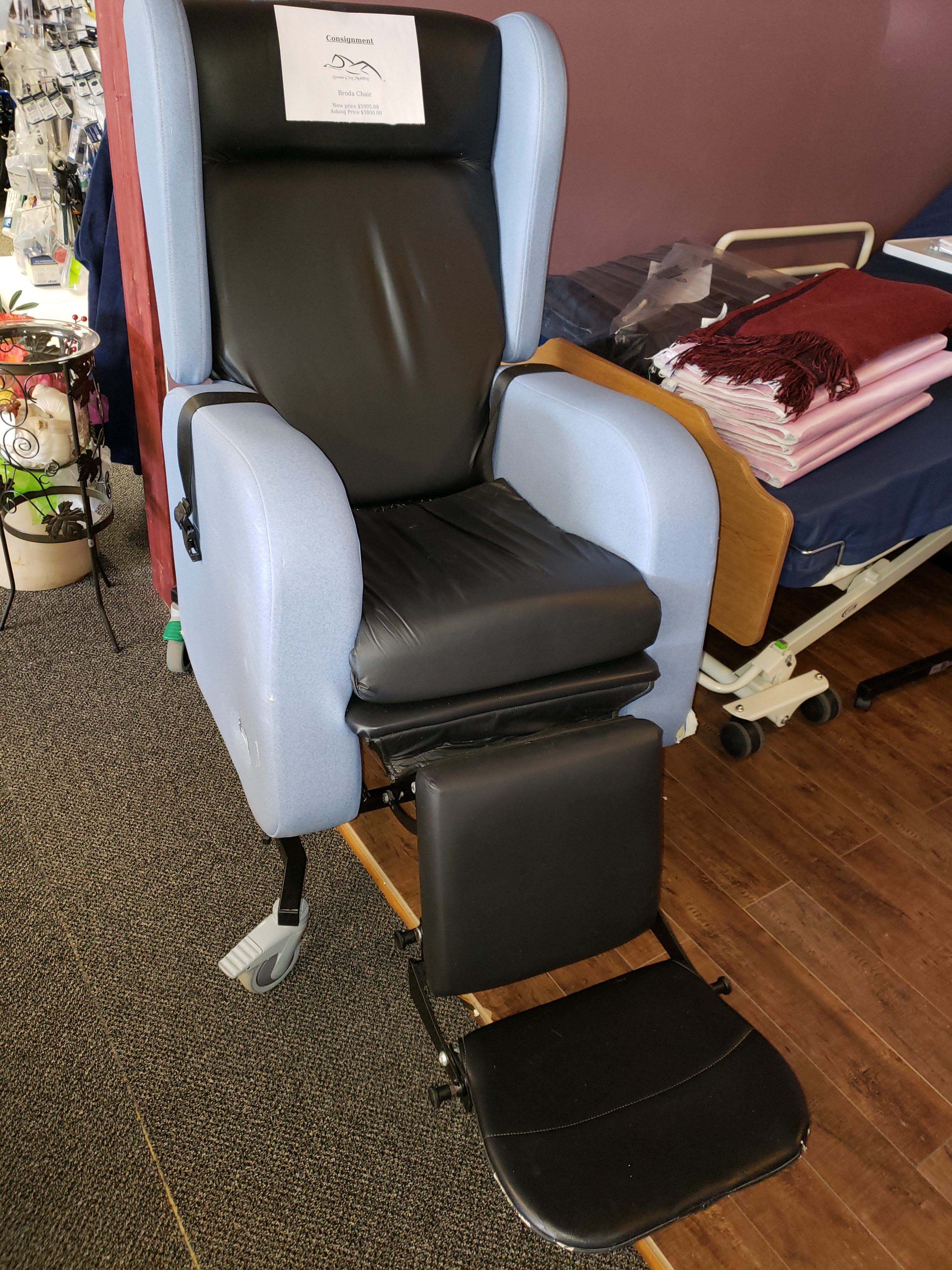 Broda Hospital Recliner Chair